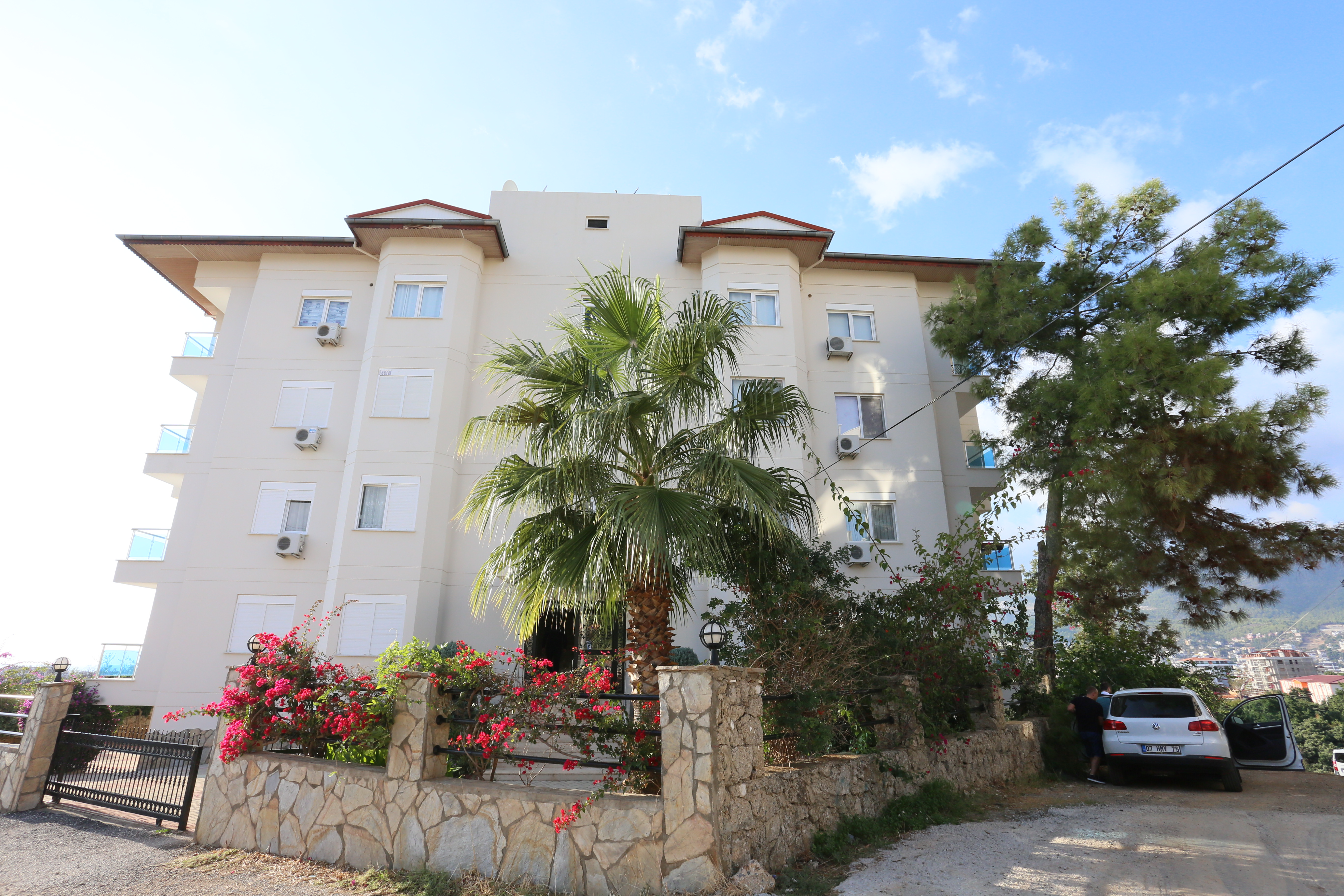 Apartment 2+1 overlooking the Alanya fortress in Oba