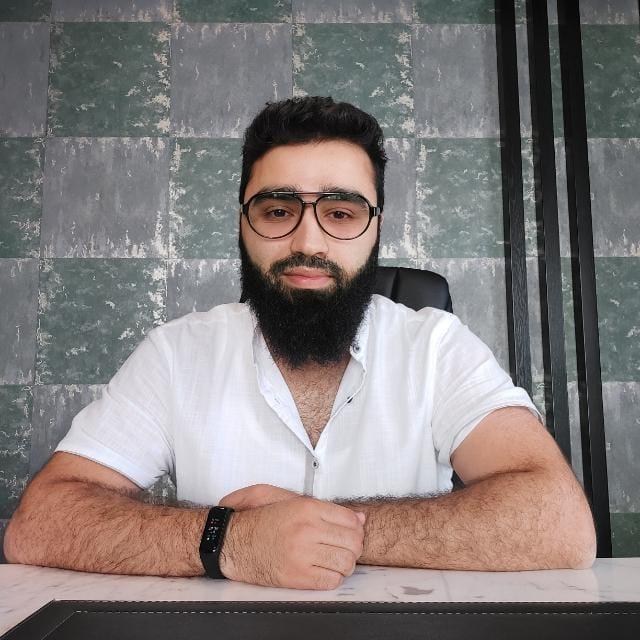 Али Алиев - Руководитель отдела продаж